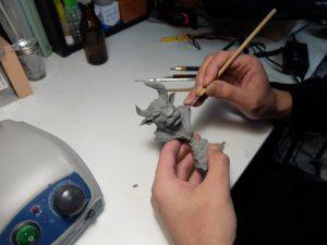 手になじみ、整形性がよい硬化性樹脂粘土